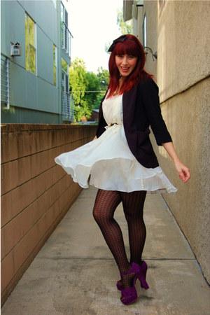 magenta platform Steve Madden heels - white flowy Sugarlips dress