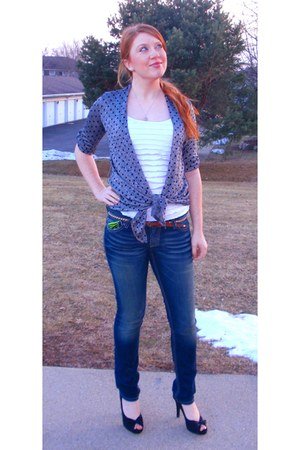 blue skinny jeans Buckle jeans - white ruffles unknown brand shirt - silver unkn