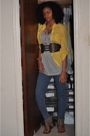 Forever 21 belt - Bakers shoes - 579 necklace - Rave jeans - 579 top - Old Navy