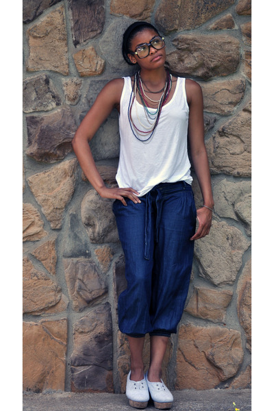 New York & Company shirt - Rave jeans - Aldo shoes - Forever 21 necklace - So Go