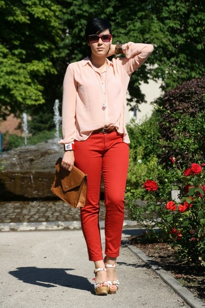 peach Primark blouse - brown clutch rock-kleidung bag - red Zara pants