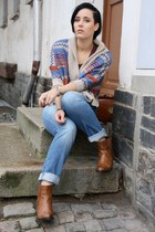 blue jeans - beige cardigan - burnt orange flats