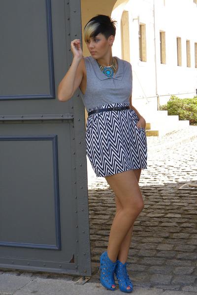 blue Primark accessories - blue Ebay shoes - black vintage belt - gray Orsay top
