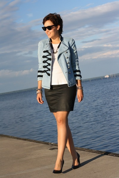 military noname jacket - peplum romwe shirt - wayfarer Ray Ban sunglasses