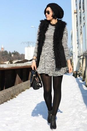 fur New Yorker vest - MMM for H&M boots - Primark dress - romwe bag