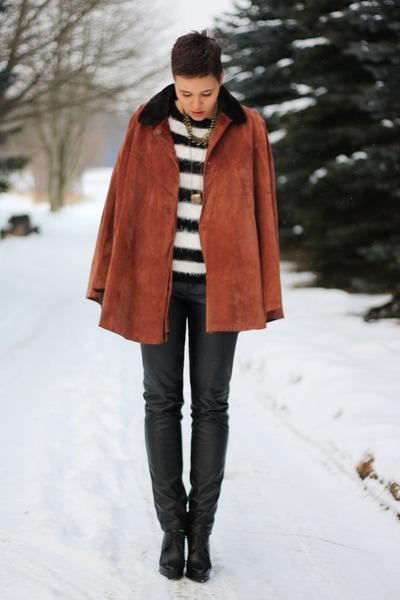 burnt orange vintage cape - black sweater - black leather 3 suisses pants