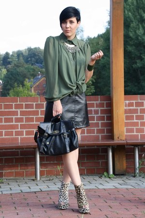 brown risingtaste wedges - black New Yorker bag - black leather vintage skirt
