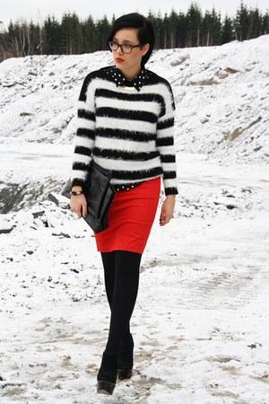 black paperdoll sweater - black VJ-style bag - white romwe blouse
