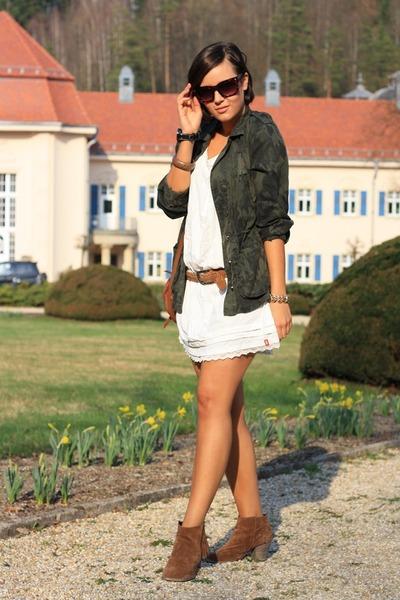 burnt orange Primark boots - white edc by Esprit dress