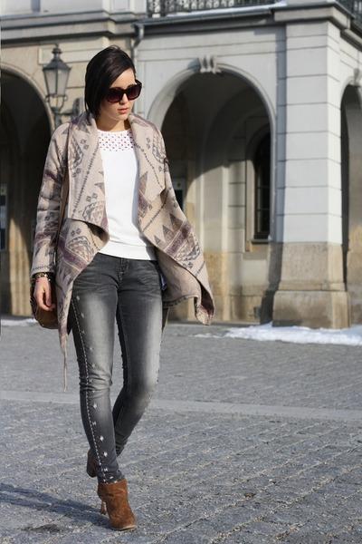 booties Primark shoes - aztec Takko coat - sweater - aztec print Primark pants