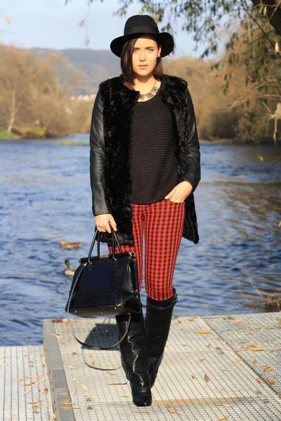 black Jessica Buurman boots - black Primark sweater - red plaid H&M pants