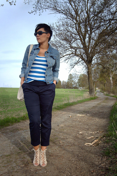 blue Primark jacket - white H&M top - blue Primark pants - beige Primark shoes -