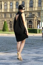 black asos dress - black clutch vintage bag - eggshell heels