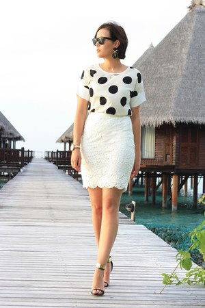 black polka dots blouse - off white crochet H&M skirt - black sandals asos heels