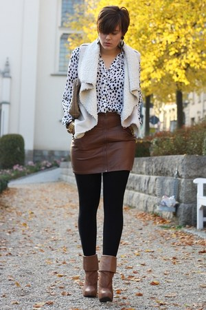 leather H&M skirt - H&M boots - clutch Hallhuber bag - fur vest Orsay vest