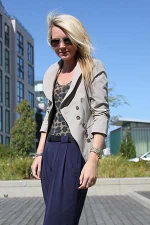 Elizabeth and James jacket - H&M top - Theory pants