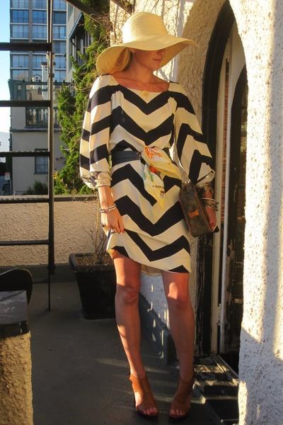 Gap hat - Pour La Victoire shoes - Diane Von Furstenberg dress