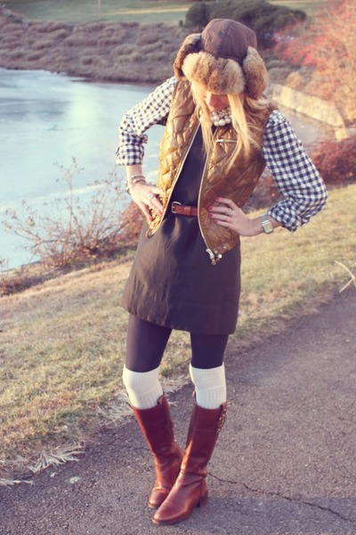 Gap top - Jcrew vest - banana republic boots - Urban Outfitters socks