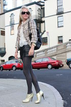 Jcrew jacket - Giuseppe Zanotti shoes - Forever 21 shorts - Forever 21 blouse -