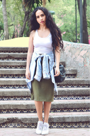 olive green pencil skirt Front Row Shop skirt - white cropped Forever 21 top