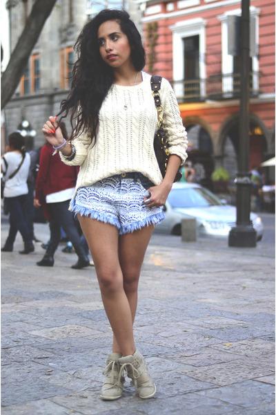 cream Massimo Dutti sweater - sky blue lace Bershka shorts