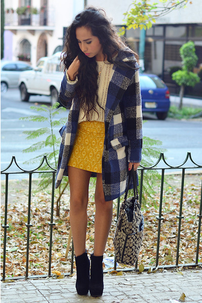 navy plaid JollyChic coat - black ankle boots GoJane boots