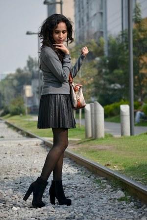 black faux leather Forever21 skirt - black GoJane boots