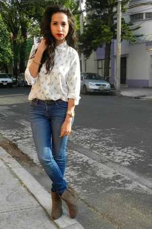 white studded Zara blouse - charcoal gray flexi boots - navy Bershka jeans