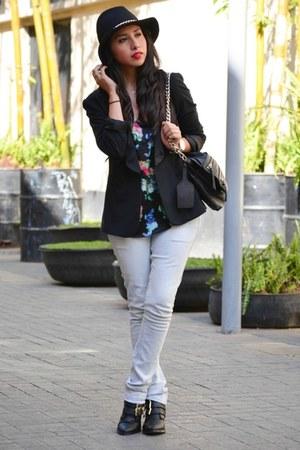 black pull&bear boots - black Zara hat - black Zara blazer