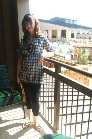 Forever21 top - Forever21 leggings -  shoes - hollister shirt
