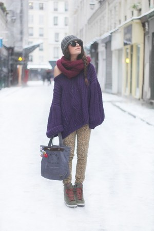 deep purple sweater - magenta scarf - tan pants