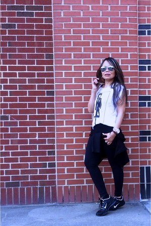 black willow and clay leggings - black H&M blazer - graphic tee f21 shirt