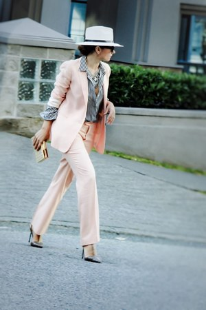 pink Zara blazer - trousers Zara pants - stripes H&M blouse