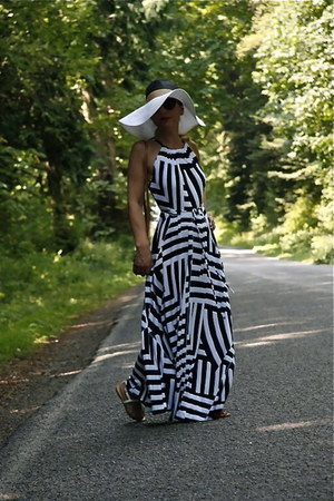 floppy hat Forever 21 hat - maxi dress Gap dress - cross body Louis Vuitton bag