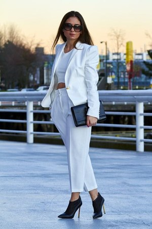 white Zara blazer - heels sam edelman shoes - clutch bag - trousers Zara pants