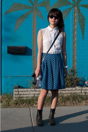 black Justin boots - blue floral print thrifted skirt - white thrifted blouse