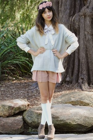 light blue bardot sweater - beige bardot shirt - pink bardot shorts - pink httpp