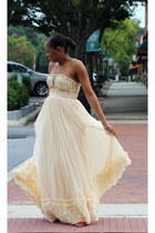 Manolo Blahnik shoes - BRIDES BY NONA dress - SLATE ring - David Yurman earrings