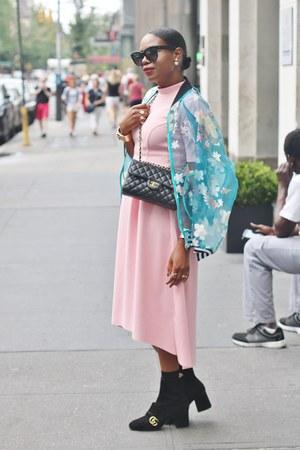 Gucci boots - Chanel bag