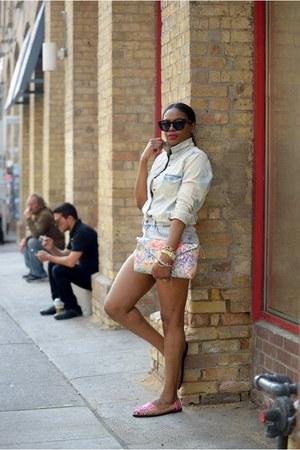 IX Style shoes - Gap shirt - Celine sunglasses