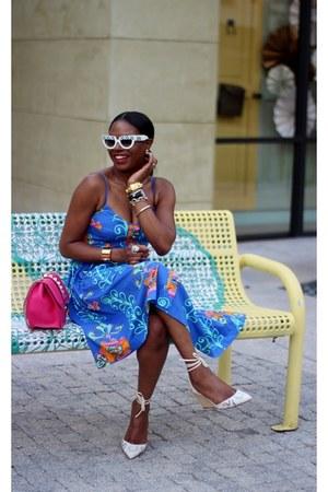 Prada sunglasses - Valentino sandals