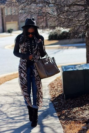 Celine bag - JCrew hat - Celine sunglasses