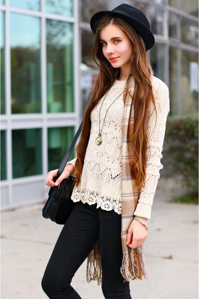 awwdore sweater