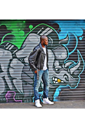 Levis jeans - black vintage jacket - white hi-tops Forever 21 sneakers