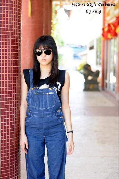 blue overalls lee Lee pants - black Ray Ban glasses