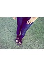 Doc-martens-boots-black-thrifted-blazer-navy-forever-21-top