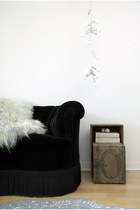 Wool-leather-black-sheep-white-light-home-decor