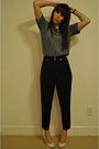 Black-blazer-blue-pants-gray-hanes-t-shirt