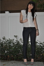 White-blouse-blue-leggings-gray-nine-west-shoes-black