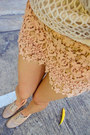 Flower-necklace-accessorize-necklace-lace-shorts-zara-shorts